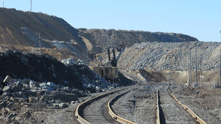 Предприятия горной промышленности: отрасли, проблемы, управление, продукция
