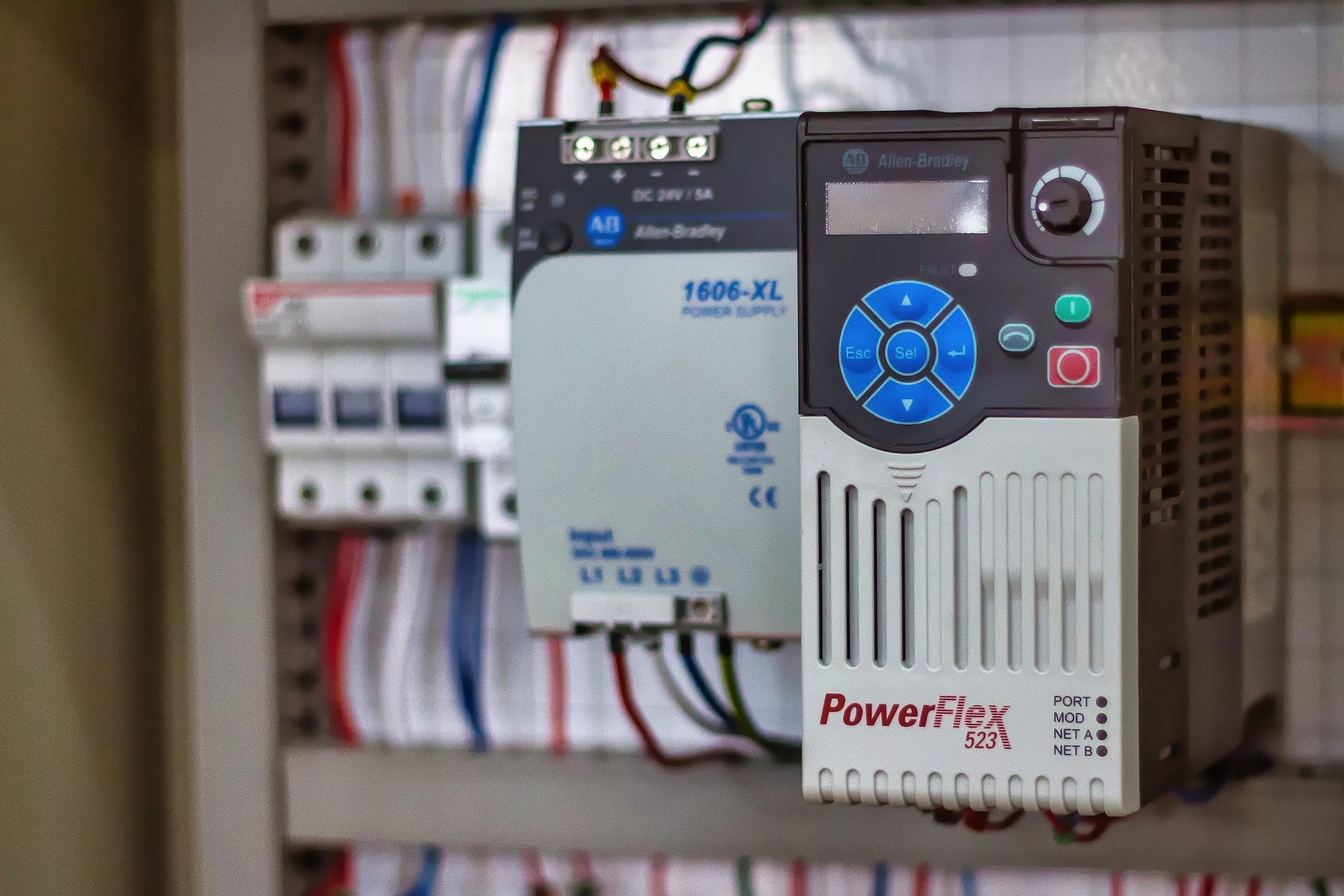Многокритериальное управление асинхронным электроприводом